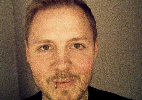 Ekstra til julegaver: Odd Peder Foss (2) har vunnet 10.000 kroner på å brettet kartonger.