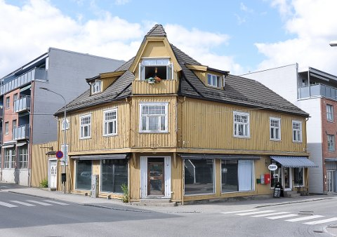 NY EIER: Brækkegården, også kalt Apotekergården, er nå solgt.