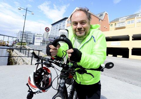 Alf Helge Fevåg skal sykle fra Kristiansund til Paris. Det betyr 205 mil på sykkelsetet.