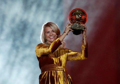 Sunndal-jenta Ada Hegerberg vant den prestisjetunge Gullballen.