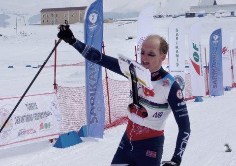 Lars Hol Moholdt gikk sisteetappen for Norge under søndagens stafett i VM i skiorientering i Finland. Det endte med bronsemedalje.