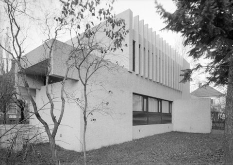 BRUTALISME: Byvillaen er et unikt eksempel på 60-tallsarkitektur, og stilretningen kalles brutalisme.
