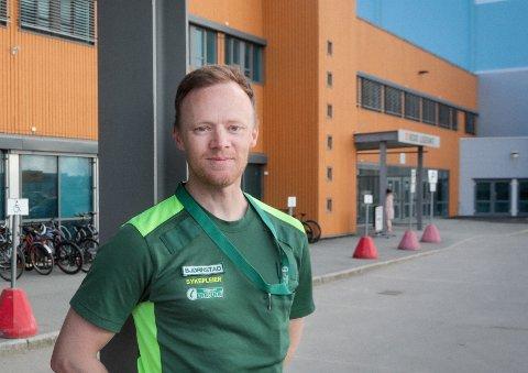 Fungerende helseleder Jørgen Bjørnstad oppfordrer bodøværinger til å framskynde vaksinasjonstimen. På den måten kan Bodø være fullvaksinert innen kort tid.
