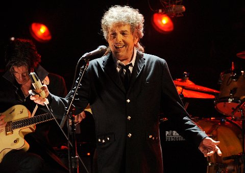 Bob Dylan er 77 år, men «still going strong».