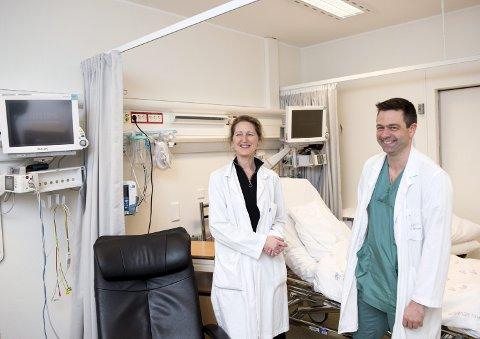 Overlege og forsker Nina Louise Jebsen og radiolog Dag Jøssang på Haukeland sykehus mener studien av legemiddelet LTX-315 viser oppløftende resultater.