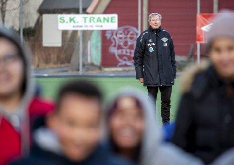 SK Trane med Arild Hovland arbeider hardt for at idrett skal være for alle. 20-40 klubbmedlemmer betaler ikke kontingent. - Vi har et godt samarbeid med Idrettsrådet i Bergen, andre klubber og stiftelser som gjør det mulig å lage et tilbud til alle - uavhengig av økonomi, sier Hovland.