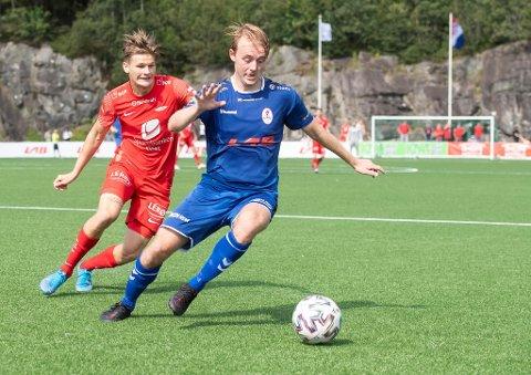 David Møller Wolfe og Brann 2 tapte med tre mål mot Bjarg på Stavollen mandag. Bildet er fra cupkampen i sommer, til høyre Ørjan Strand.