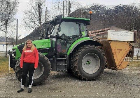 ENGASJERT: Anne Lise Heggheim vil vere med å jobbe mot betre forhold for dei norske bøndene. Sjølv skal ho ta over familiegarden, men har hatt sine bekymringar knytt til løn: – Skal landbruket eksistere i framtida, er vi nøydd å jobbe for det i dag, seier ho.