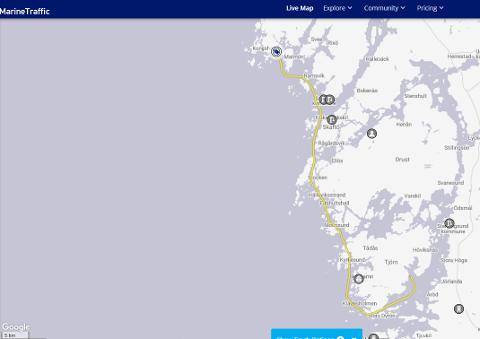 Kartet til  Marine Traffic viser hvor Go' Vakker Karen befant seg torsdag formiddag. Går du inn på www.marinetraffic.com og søker på Go Vakker Karen, kan du se nøyaktig når hun kommer til Fredrikstad.