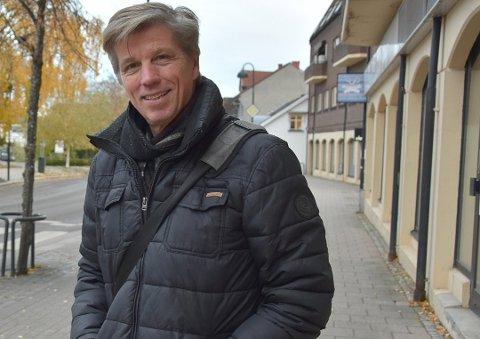 LOKAL HANDEL: MDGs gruppeleder Svein-Erik Figved mener det blir fullstendig feil med gratis parkering for å stimulere til lokal handel.