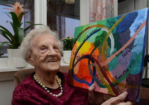 GAVE SOM VARMER: Dette maleriet Helga fikk av barnebanret Silje vil få en hedersplass i stua.