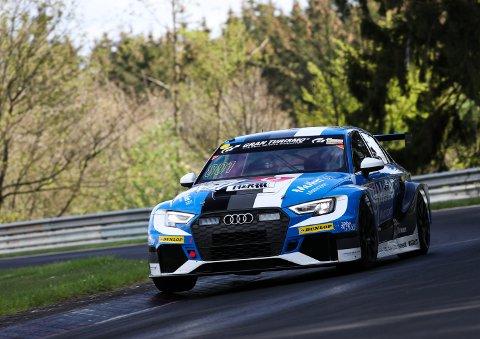 Håkon Schjærin (NMK), Atle Gulbrandsen (KNA), Kenneth Østvold (KNA) og Anders Lindstad (NMK) i det norske racingteamet deltar med en Audi RS 3 LMS i klassen TCR.