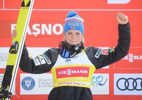 Verdenscupleder Maren Lundby tok sin åttende verdenscupseier for sesongen i Oberstdorf lørdag.
