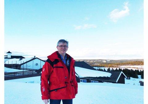 STØTTE: Daglig leder Jan Bjørke ved Hornsjø Høyfjellshotell anbefaler virksomheter i det lokale næringslivet å søke hjelp og veiledning hos Lillehammer-regionen Vekst sitt hjelpkorps av eksperter.