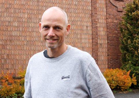 KONTROLL: Kommuneoverlege Bjarne Oure mener de kan senke skuldrene litt, til tross for tre nye smittetilfeller i Lunner.