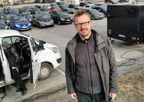 Taper penger: Kultursalsjef Torstein Nybø har måttet holde dørene stengt, og faller utenom støtteordningen til staten. Her fra drive-in-kino i Gran sentrum, som ble en korona-suksess.
