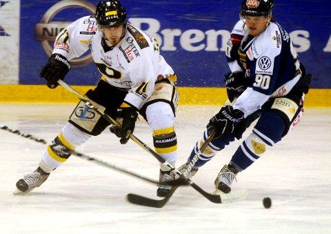 Peter Lorentzen scoret to ganger for Stavanger Oilers i søndagens finale.