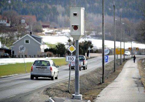 SKJÆRVIKEN: Mannen ble tatt i en av fotoboksene langs riksvei 110 mellom Halden og Fredrikstad.