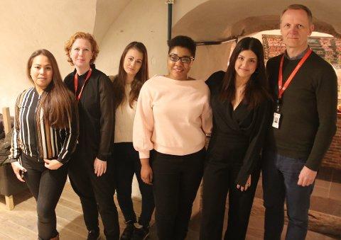 REKRUTTERINGSTREFF: Spente kandidater sammen med representanter fra NAV. Fra venstre: Grace Jerdal, Camilla Hoffstrøm Nygård (NAV), May Silje Nilsen, Grace Sindayigaya, Klara Zada og Arild Opsahl (NAV).