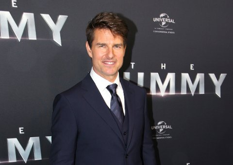 """Tom Cruise, her under premieren på filmen """"The Mummy"""", kan bli å se på Preikestolen i september hvis alt går etter planen. Eller i alle fall stuntdobbeltgjengern hans. Foto: AP Photo/Rick Rycroft/NTB scanpix"""