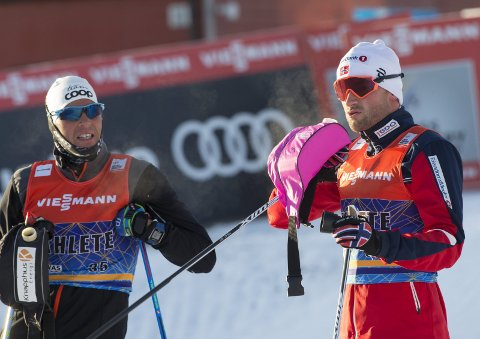 LAGKAMERATER: Chris Jespersen (t.v.) har gått for privatlaget til Petter Northug denne sesongen, men nå kan Team Northug gå mot slutten.