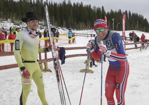 Staking: John Kristian Dahl vant foran en dyktig sliten Emil Iversen i Hattrennet. Foto: Per VIkan