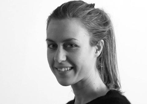 FERDIGSTUDERT: Anne Mette Sunde (32) er fra Kirkenes og bosatt i Trondheim. Nå er hun ferdig utdannet språkforsker og etter eget utsagn ferdigstudert.