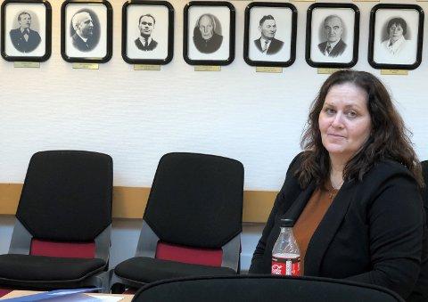 BER FORELDRE FØLGE MED: Fungerende oppvekstleder Kirstin Eliassen opplyser at de vet at barn og unge i kommunen har sett den mye omtalte selvmordsvideoen på TikTok.