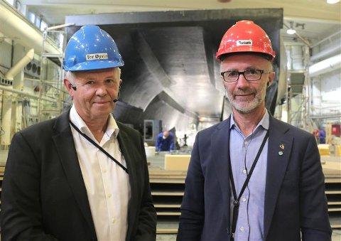 Administrerende direktør Tor Øyvin Aa og fylkesråd for samferdsel, Svein Eggesvik.