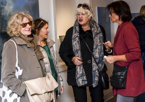 Diskuterte: Her står f.v. Eva Penzo, Ellen Lydia Drevland, Christina Kløvig og Tone Ørvik.