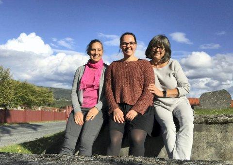 HØSTSTEMNING: Margrethe Beck (t.v.), Martine Bæver Larsen og Liv Randi skal holde konsetr sammen med Ola Øvergaard torsdag kveld.