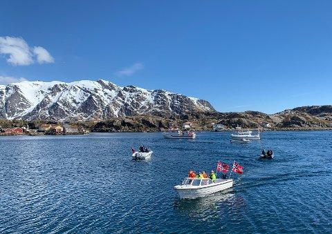 Båtkortesje på nasjonaldagen i fjor.