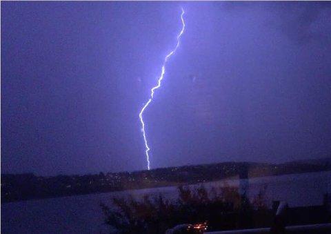 NEDSLAG: Det var svært mange lynnedslag i Moss og Rygge natt til søndag.