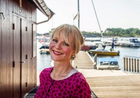 GLAD FOR BESØK: Ordfører Mona Vauger (Ap) er glad for at hyttefolket er tilbake på Hvaler den første helgen etter at hytteforbudet ble opphevet.