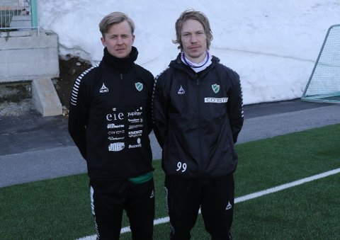 OPP MOT GAMLEKLUBBEN: Fredrik Riise Allertsen (t.v) og Tom-Erik Bang Kristiansen er klare til dyst, når gamleklubben Finnsnes gjester Fløya Arena. FOTO: Runar Henningsen.