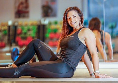 NY HVERDAG: Nan Tove Pedersen (26) veide på det meste 117 kilo, og slet med depresjon i mange år. Nå har hun tatt av seg over 45 kilo, og har funnet drømmejobben som personlig trener.