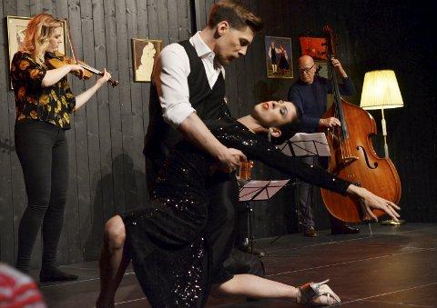 TANGODANSERE: Cyrena Drusine og Steinar Refsdal er to av Norges beste tangodansere og viste publikum i blackboxen hva som ligger i denne dansen av følelser og lidenskap. FOTO: Hans Olav Granheim