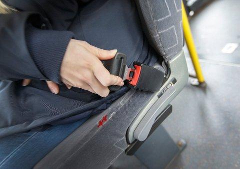 NYE KONTROLLER: Beltebruken blant passasjerene i buss går ned. Denne uka skal Statens vegvesen kontrollere busser over hele landet.