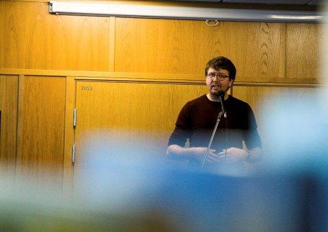 ANSVAR: - Hvem har det juridiske ansvaret ved skoleelevers skade eller dødsfall på Svartskogruta? spør Hans Martin Enger (MDG) i førstkommende kommunestyremøte.