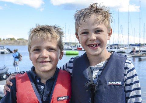 Vennskap: Henrik Wrold Evensen og Albert Ludvig Mauland får mange nye venner under uka på Seilerhytta.