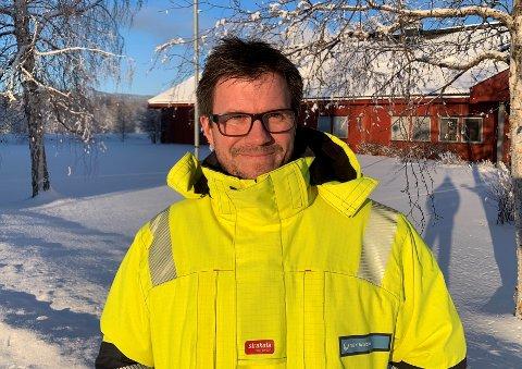 VÆR OPPMERKSOM: Nettsjef Frode Eggestad i NØK tar kulda med fatning, og oppfordrer samtidig forbrukere til å passe litt ekstra på ved bruk av mer strøm enn det som er normalt for husstanden.