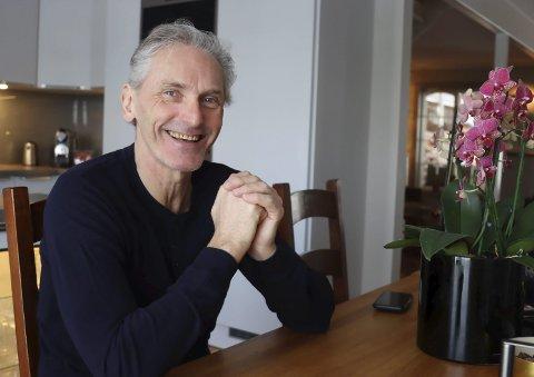 Lykkelig jubilant: Eirik Ellingsen fyller 60 år søndag. Til tross for at han har mistet skarpsynet og er ufør, er han en lykkelig jubilant. Han gir trening og triatlon med gode kamerater mye av æren for at han har en meningsfyllt og god hverdag.