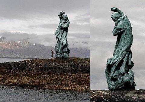 Monumentet blir ti meter høyt og vil bli godt synlig for alle som ferdes på havet. Fotomontasje