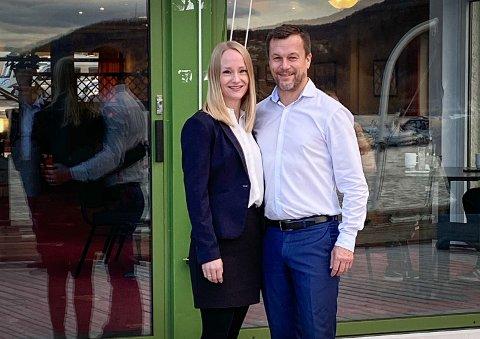 Ekteparet Christine Løksti og Henry Hansen tar over som nytt vertskap fra årsskiftet. Pressefoto