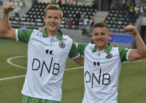 Jubilanter: Truls Jevne Hagen og Lars Brotangen var to stolte HamKam-spillere som knuste Kongsvinger 3–1 i jubileumskampen.Foto: Petter Sand