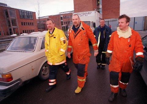 Her er Lasse Unkuri (t.h) sammen med kollegene Tommy Norlander og Göran Persson etter endt oppdrag. Bak sjefingeniør Kjell Hartvigsen i Statoil.