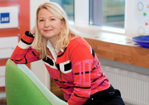 STRØMREGNING: –Å jevne ut betalingen gir kunden mer stabile strømregninger oghjelper kundene å unngåbetalingsutfordringer, sier Jeanne Tjomsland, kommunikasjonsdirektør i Fjordkraft.