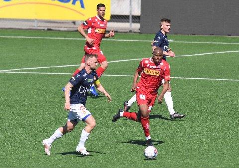 TAPTE: Ze Eduardo og de andre SF-spillerne måtte rusle av banen med 0-1-tap for Strømsgodset i mandagens treningskamp.