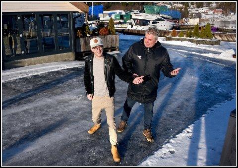 Stor interesse: Martin Kristiansen (til venstre) og Pål Nordahl i Den store havnefestivalen, merker stor interesse fra både publikum og lokale artister.