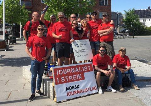 KREVER MER: I Østfold tjener NRK-journalistene i snitt 568.907 kroner. Her er et knippe av journalistene på besøk i Askim denne uken.